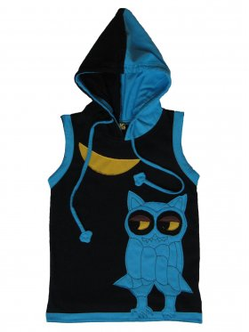Comfy and breezy singlet featuring a fun hoodie and an owl that watches over the little ones during all their adventures! Hand-made out of 100% cotton and machine-washable. Available sizes: 6 months - 5 years.